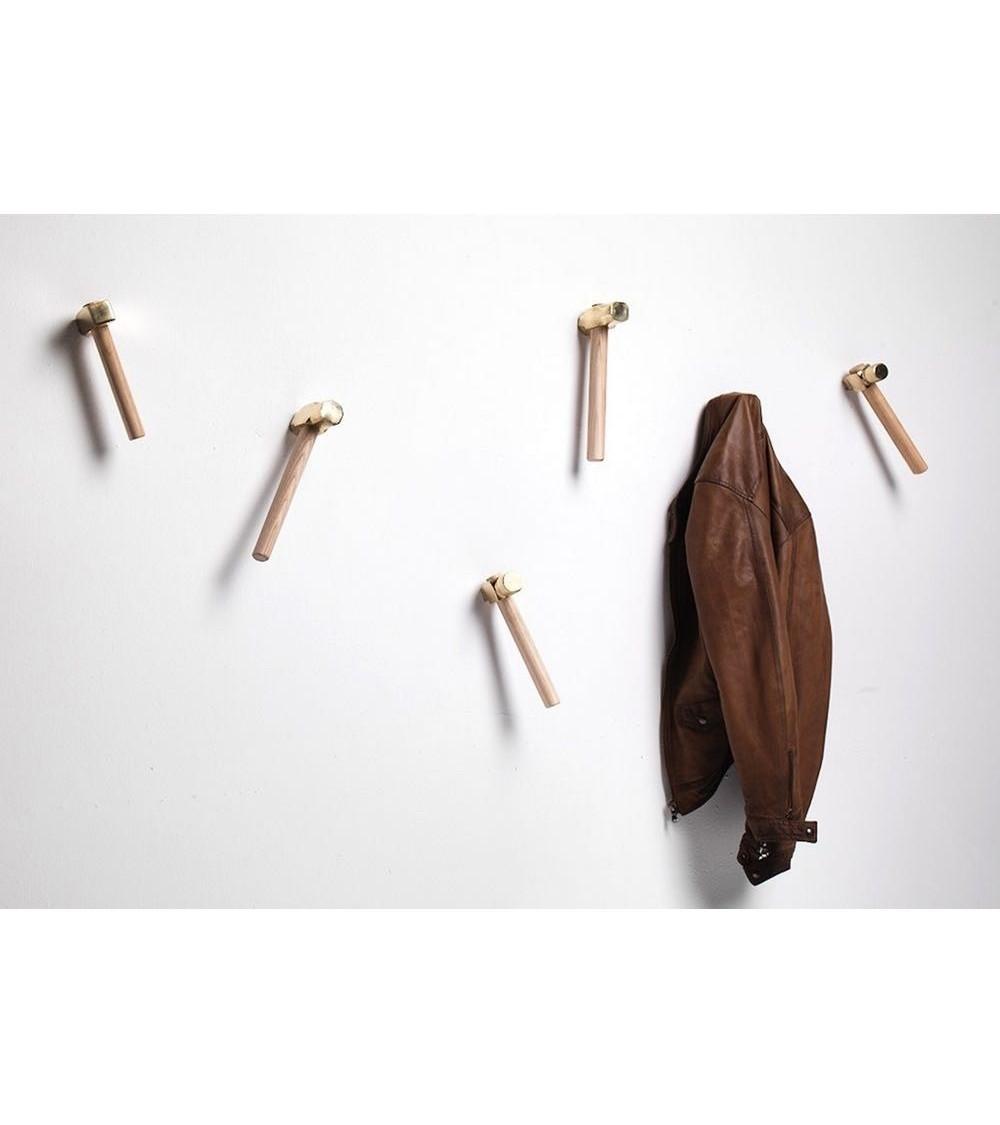 clothes hangers mogg Bastaaa