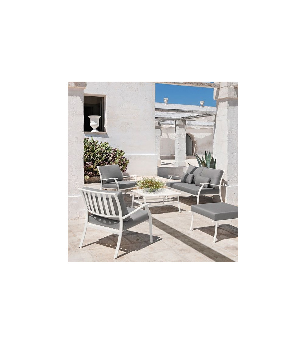 tavolino-design-quadrato-ethimo-elisir-bianco-mughetto