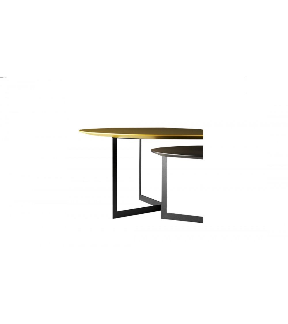 Tavolino Treku Kabi in metallo