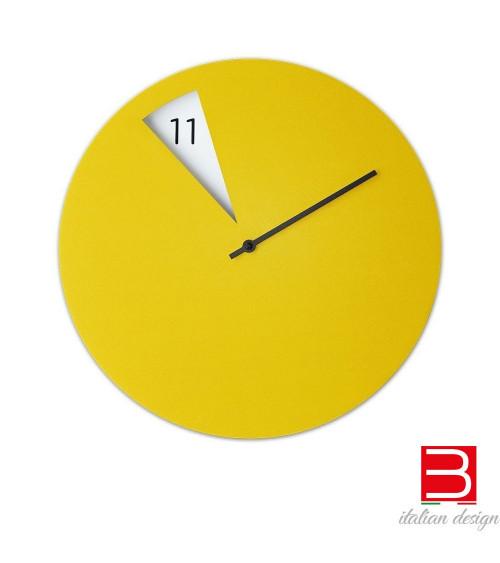 wall clock Sabrina Fossi FreakishCLOCK yellow