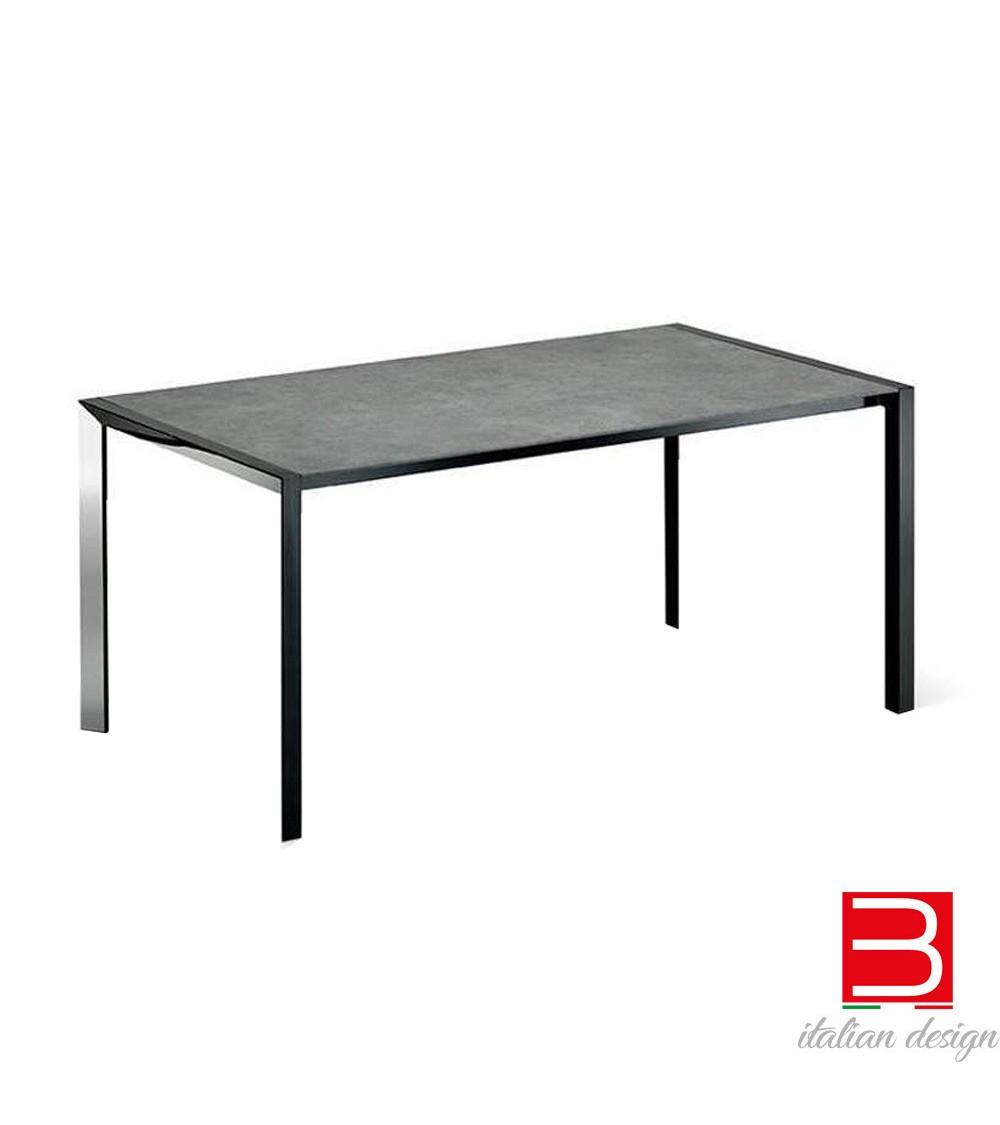table-cattelan-pedro