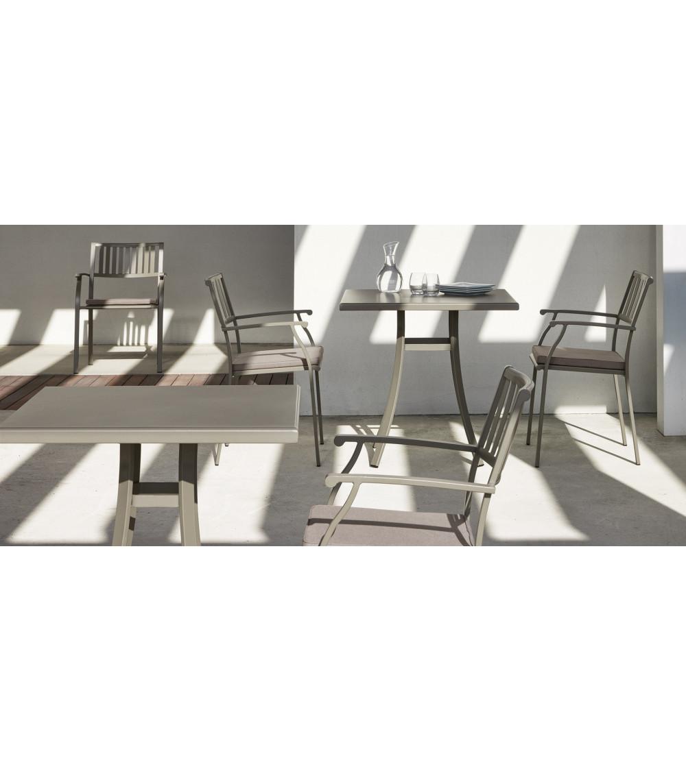 poltroncina-design-grigio-ethimo-elisir